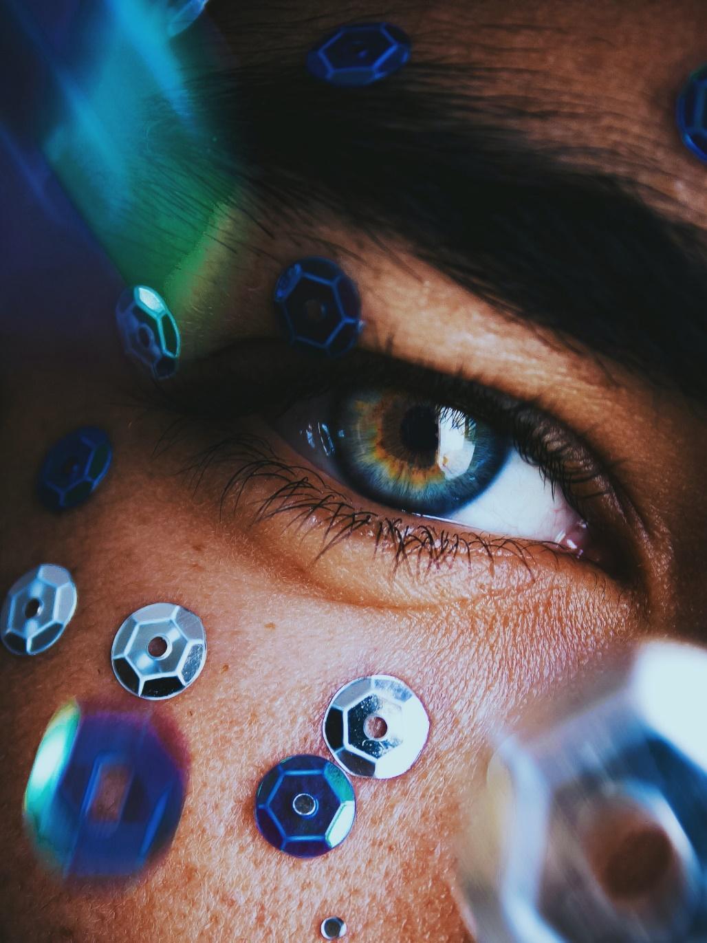 Best Online Non-Prescription Colored Contact Lenses Without A Prescription
