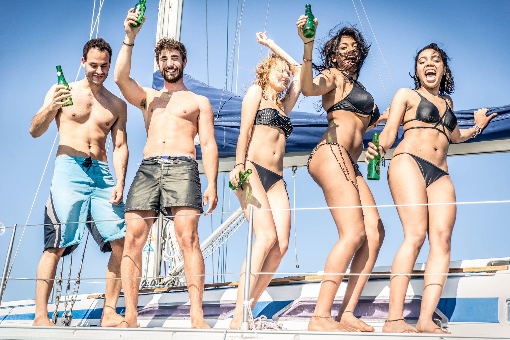 4 Healthy Drinking Tips When on a Booze Cruise