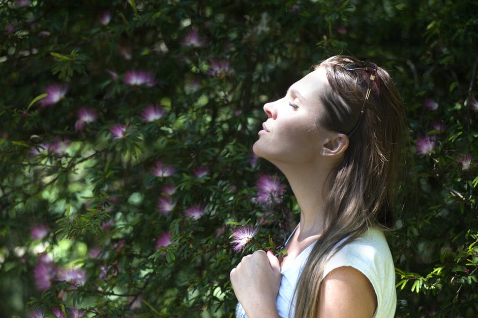 How to Quiet Your Mind and Decompress After a Tough Work Week