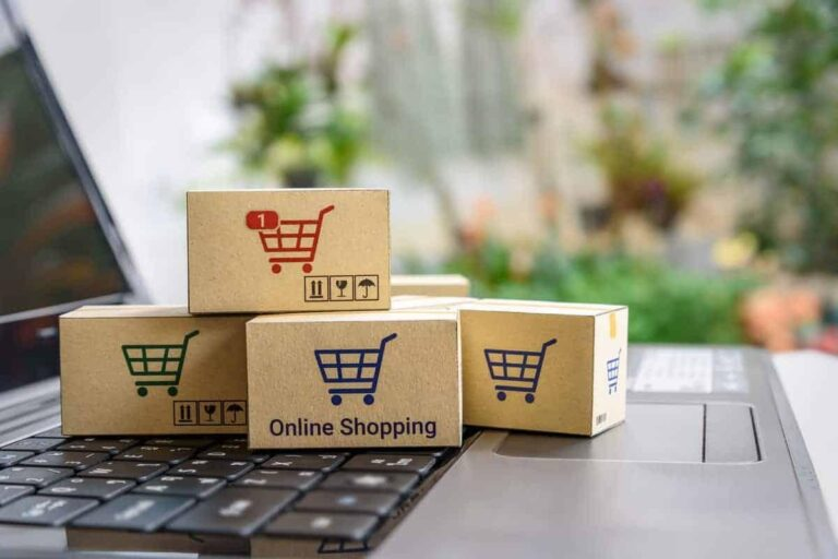 Four Benefits of Online Shopping at Stores like Biasa Rose