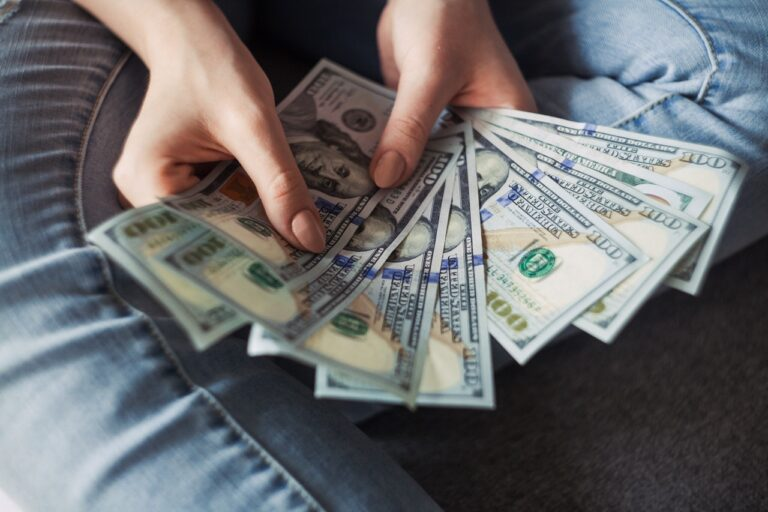 A Guide on How You Can Improve Family's Finances When Struggling for Cash