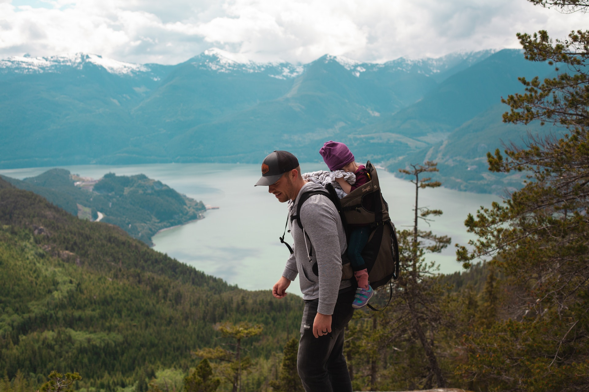 A Guide to Traveling with a BabyA Guide to Traveling with a Baby