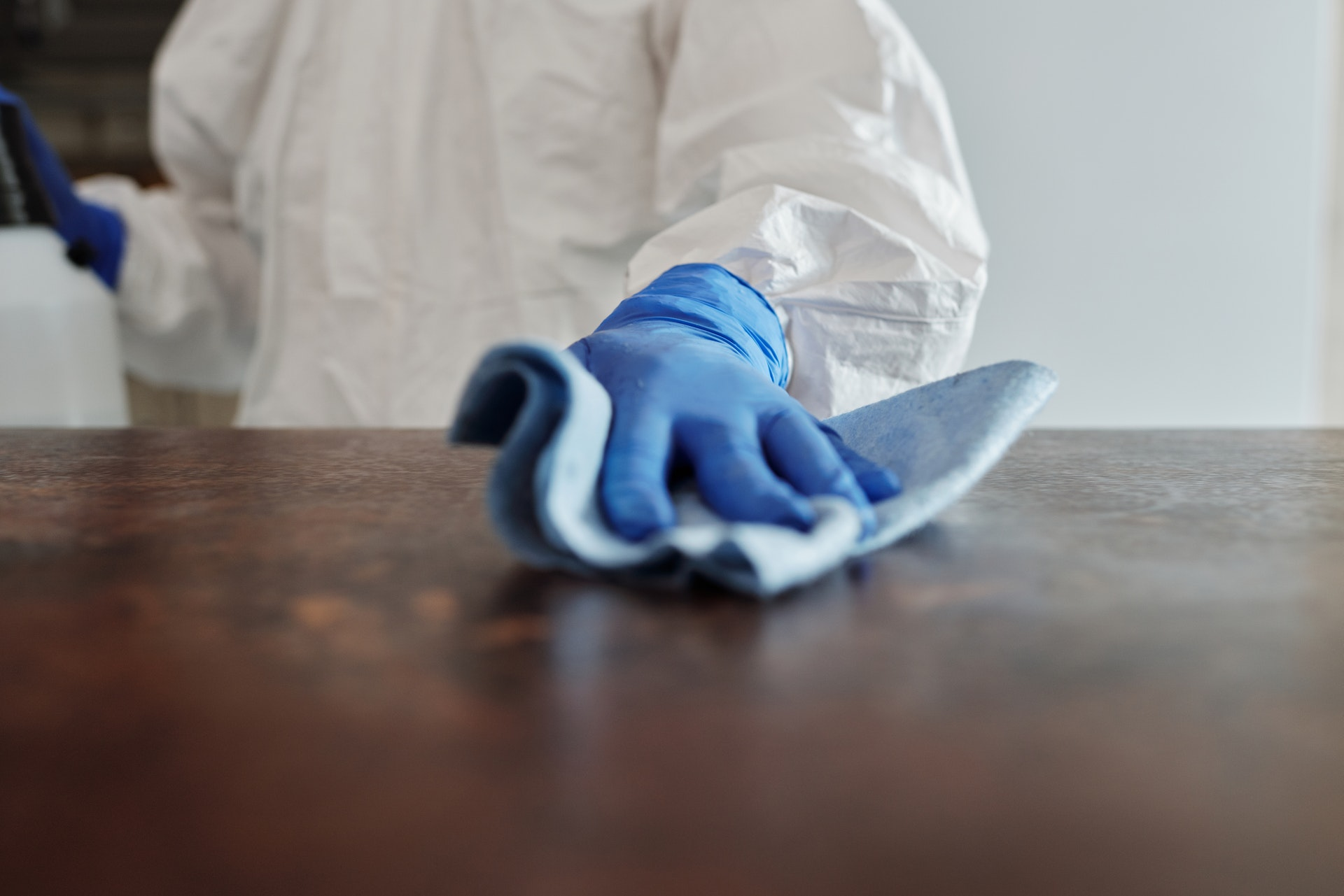 Which Is Better: Dry Ice Blasting Or Traditional Cleaning Methods?