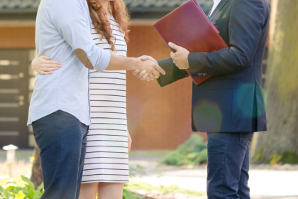 Signs You Should Consider Becoming a Real Estate Agent
